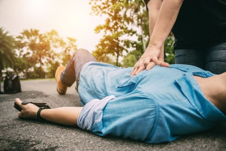 First Aid Emergency CPR on a Man who has Heart Attack or Shock-shock