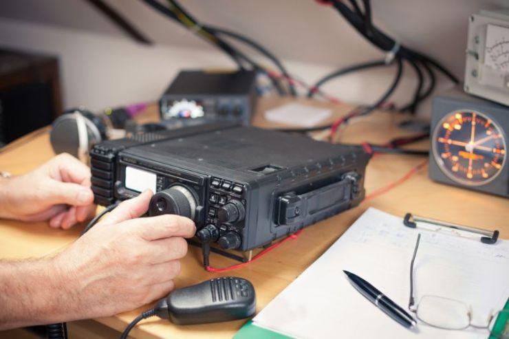 amateur-radio-station-closeup-transciever   ham radio