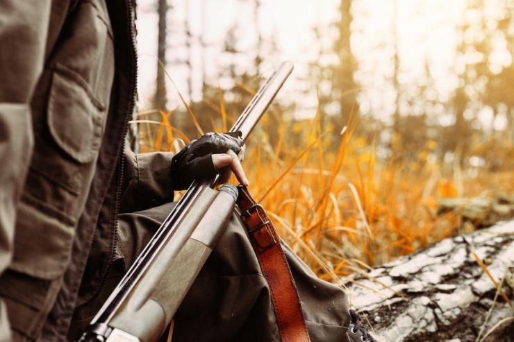 autumn-hunting-season-woman-hunter-gun   hunting