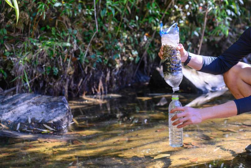 simple-natural-water-filtering-gear-use   water filter