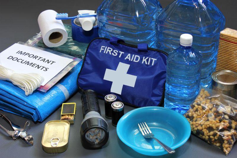 Emergency kit   Hurricane preparedness