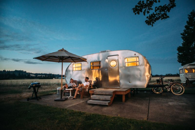 Glamping couple | Camping Cots